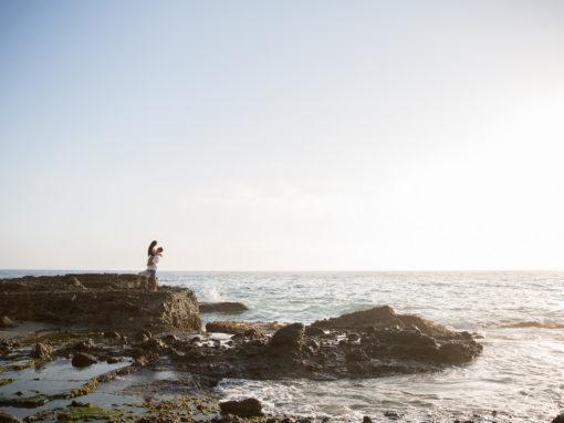Top of the Rock Victoria Beach Engagement | Jodi + Daniel